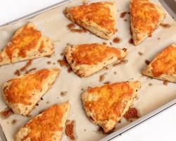 Cheddar Bacon Scones Recipe – Laura Vitale – Laura in the Kitchen Episode 767