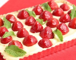 Lemon Curd Strawberry Tart Recipe – Laura Vitale – Laura in the Kitchen Episode 792