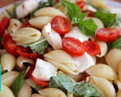 Caprese Pasta Salad |  Hilah Cooking