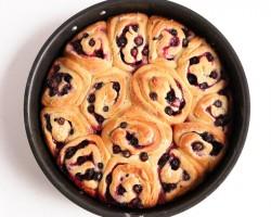 Lemon Blueberry Rolls Recipe – Laura Vitale – Laura in the Kitchen Episode 927