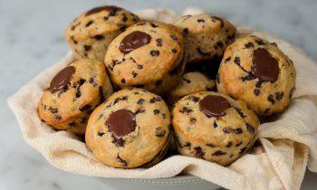 Chocolate-Filled Banana Muffins