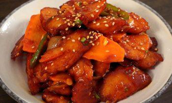 Spicy Stir-fried fish cakes (Eomuk-bokkeum: 어묵볶음)